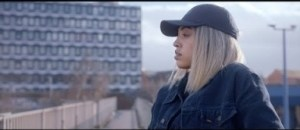 Video: Mahalia - Proud of Me (feat. Little Simz)